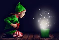 Caixa de presente mágica Imagens de Stock