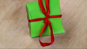 Caixa de presente verde vídeos de arquivo