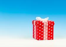 Caixa de presente vermelha Imagem de Stock Royalty Free