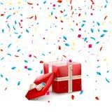 Caixa de presente vermelha aberta com fita e confetes do voo Fundo da venda do Natal ilustração stock