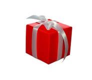Caixa de presente vermelha com a curva da fita isolada no fundo branco Imagens de Stock