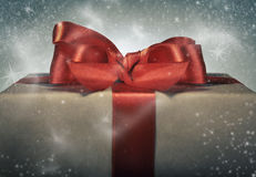 Caixa de presente vermelha da fita Fotografia de Stock Royalty Free