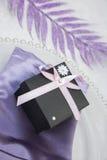 Caixa de presente Wedding/aniversário foto de stock