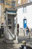Caixa de telefone em Lisboa imagens de stock royalty free