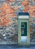 Caixa de telefone irlandesa do vintage foto de stock