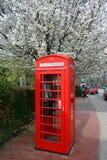 Caixa de telefone vermelha imagem de stock