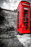 Caixa de telefone vermelha tradicional no Reino Unido Fotografia de Stock