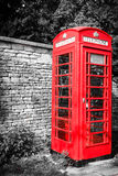 Caixa de telefone vermelha tradicional no Reino Unido Fotografia de Stock Royalty Free