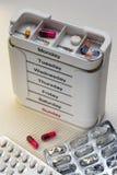 Caixa diária das drogas - medicamentação Foto de Stock