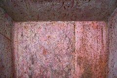 Caixa do metal com corrosão do interior imagem de stock