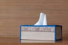 Caixa do tecido na tabela Imagem de Stock Royalty Free