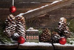 Caixa do vintage do Feliz Natal fotos de stock royalty free