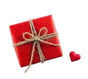 Caixa e coração vermelhos Imagens de Stock