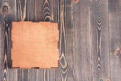 Caixa e tabela de madeira Fotografia de Stock