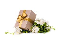 Caixa feito a mão com presente Fotografia de Stock