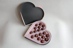 Caixa Heart-shaped dos chocolates fotos de stock royalty free