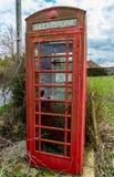 Caixa inglesa destruída do telefone imagens de stock