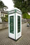 Caixa irlandesa do telefone imagens de stock