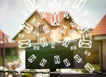 Caixa postal com ícones da letra no fundo verde de incandescência Imagens de Stock Royalty Free