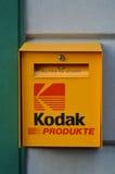 Caixa postal de Kodak na frente da loja da foto em Suíça de Interlaken Fotografia de Stock Royalty Free