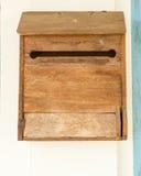 Caixa postal de madeira do vintage Imagem de Stock Royalty Free