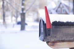 Caixa postal dos E.U. na neve com espaço da cópia Foto de Stock Royalty Free