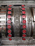 Caixa registadora velha com botões do dólar Foto de Stock Royalty Free