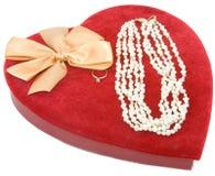 Caixa vermelha do coração de veludo Imagens de Stock