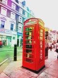Caixa vermelha do telefone em Londres Imagens de Stock Royalty Free