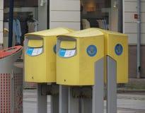 Caixas amarelas do correio em Goteburg Fotografia de Stock
