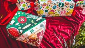 Caixas coloridas do presente de Natal Foto de Stock Royalty Free
