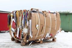 Caixas de cartão pressionadas preparadas recicl Foto de Stock
