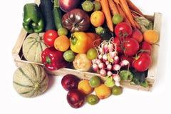 Caixas de frutas e legumes fotos de stock royalty free