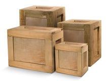 Caixas de madeira amareladas isoladas no fundo branco foto de stock royalty free