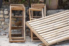 Caixas de madeira no formulário desmontado Luz e bege Imagem de Stock Royalty Free