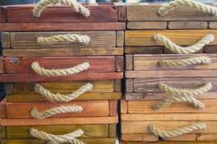 Caixas de madeira de um exemplo do vintage Imagens de Stock