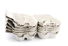 Caixas de ovo vazias no branco Imagens de Stock Royalty Free