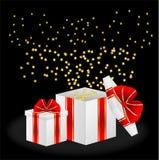 Caixas de presente com curvas vermelhas Imagem de Stock Royalty Free