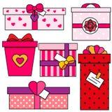 Caixas de presente do dia do ` s do Valentim do St Romântico, presentes do amor ajustados Ícones coloridos do vetor Imagens de Stock Royalty Free