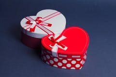 Caixas de presente vermelhas e brancas do coração Fotografia de Stock Royalty Free