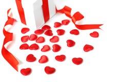 Caixas de presentes com corações de matéria têxtil, conceito do dia de Valentim Fotos de Stock