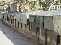 Caixas fechados de Bouquinistes Fotografia de Stock Royalty Free