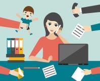 Caixeiro a multitarefas ocupado da mulher no escritório Vetor liso Imagem de Stock Royalty Free