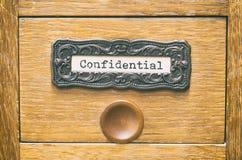 Cajón de catálogo de madera viejo de los archivos de almacenamiento, ficheros confidenciales foto de archivo libre de regalías