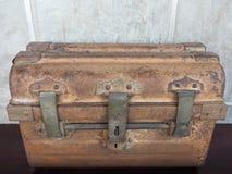 Caja antigua vieja Fotos de archivo
