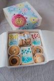 Caja con las galletas Imagen de archivo