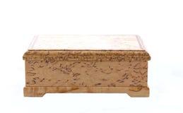Caja de abedul carelio en el fondo blanco Fotos de archivo libres de regalías