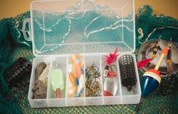 Caja de almacenamiento con los accesorios para pescar Fotografía de archivo