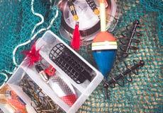 Caja de almacenamiento con los accesorios para pescar Fotografía de archivo libre de regalías