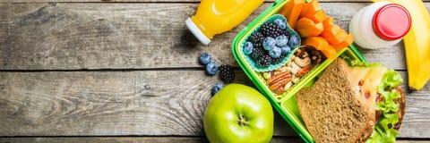 Caja de almuerzo escolar sana imagen de archivo libre de regalías